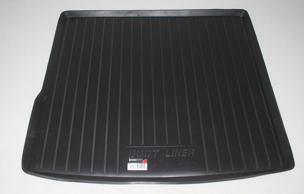 Vana do kufru plastová Nissan Terrano II Facelift 4WD (14-)