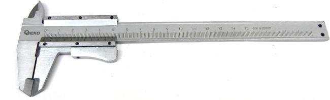 Měřítko posuvné kovové, 0-150mm x 0,02, dřevěná krabička, GEKO